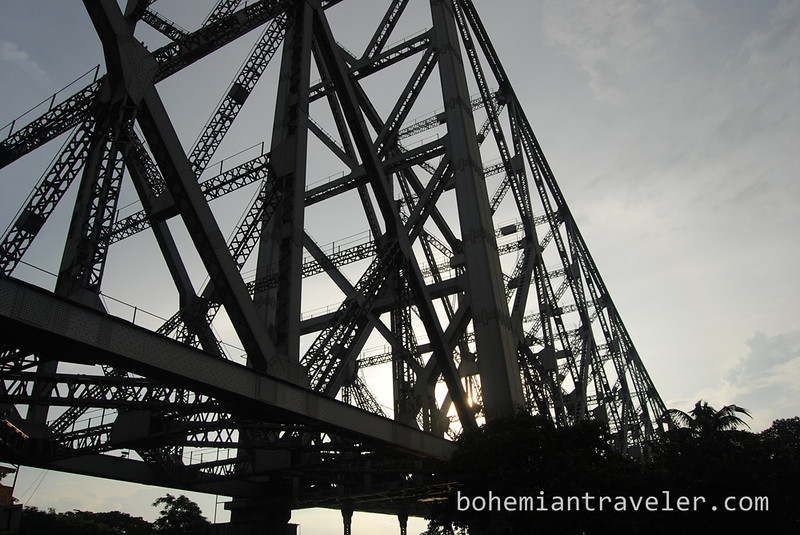Howrah bridge after sunrise.jpg