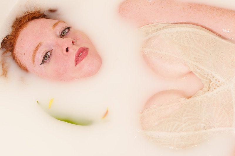 2020-11-23 Hannah milk bath7069-Edit.jpg