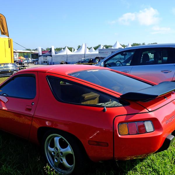 Porsche 928.jpg