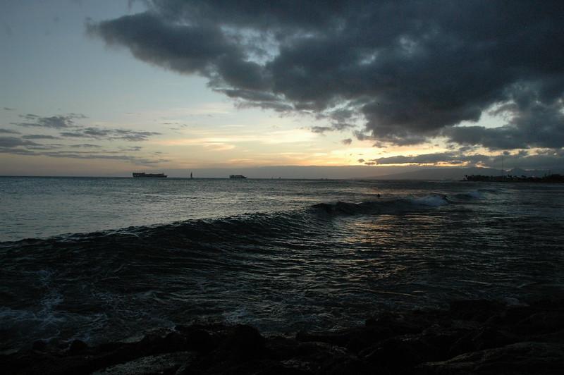 Hawaii - Ala Moana Beach Sunset-102.JPG