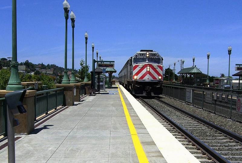 Caltrain southbound 096.jpg