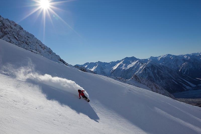 Snowboarding Arrowsmith Range NZ (MR)