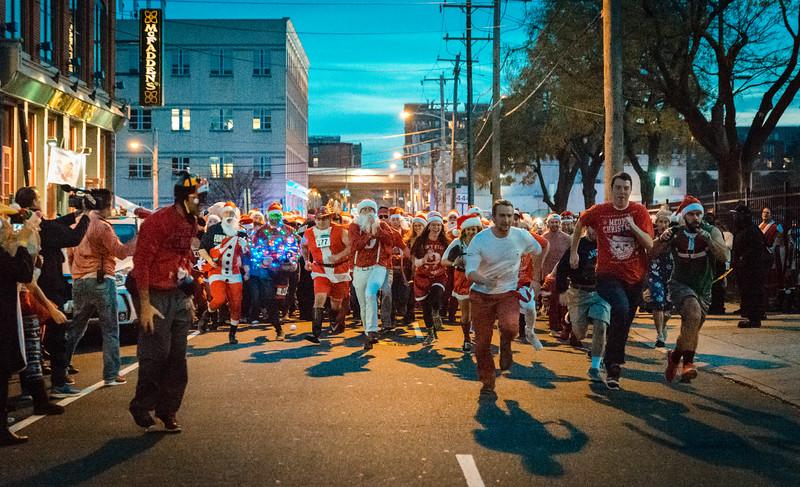 Running with Santa Philadelphia 12-12-2015-3346.jpg