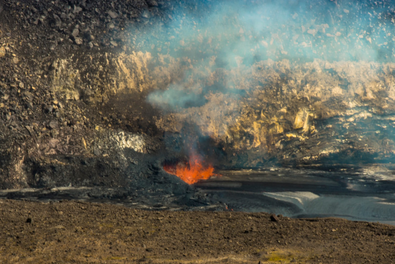 volcano eruption Halamaumau Crater LRE -3539.jpg