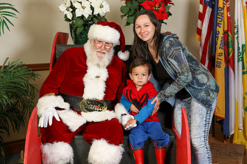 TBTP 2019 Photos with Santa-113.JPG