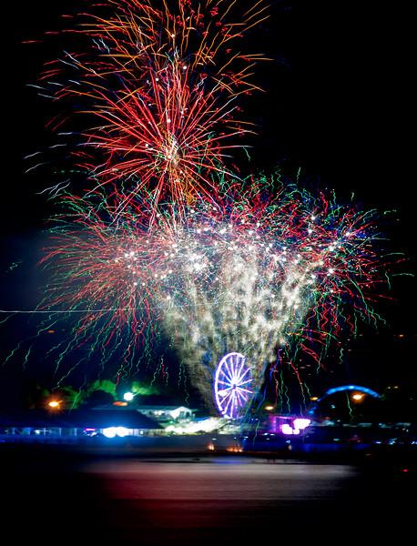 edgewater-fireworks_9240963238_o.jpg