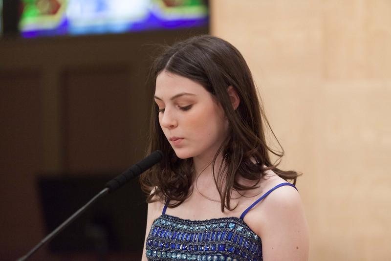 Hannah in Temple-6814.jpg
