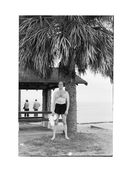 1978 Jesse MJ Fla Trip mj by palm tree.jpg