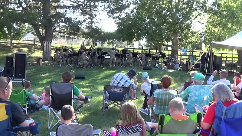 2018 Video - 126th Army Band Concert at the Zoo - Show Time by Heidi 001.MP4