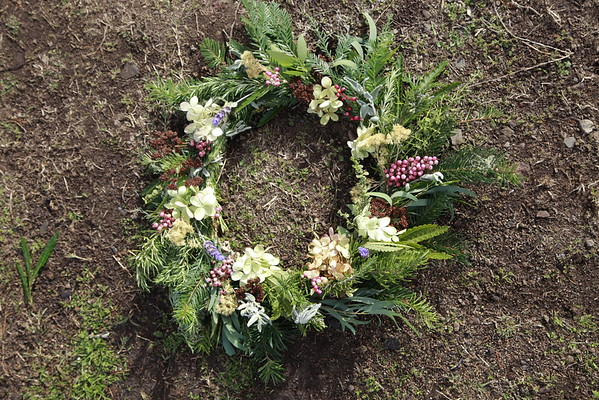 Wreath Making with Ana Carla Rovetta Dec 2015