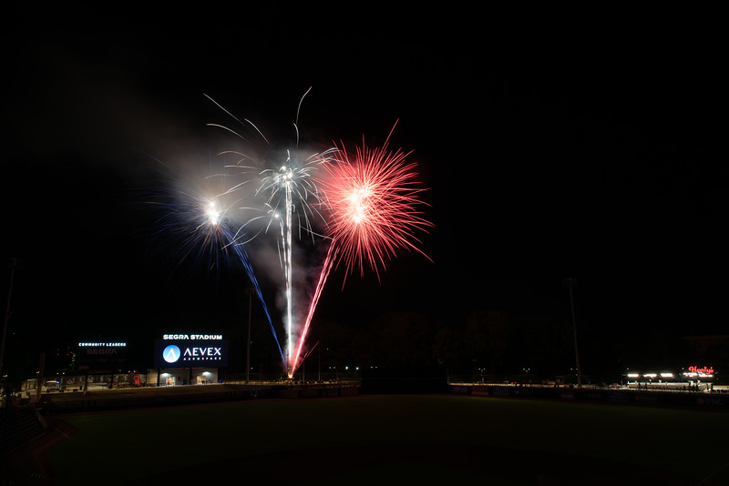 Fireworks_750_0531.jpg