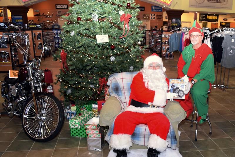 2014 Santa Visits J&P Cycles Florida Superstore (58).JPG