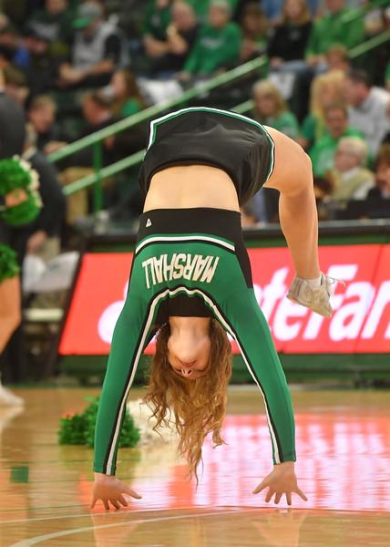 cheerleaders2521.jpg