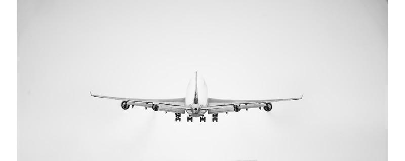 747 take off  - Delta 12-20-17 RobertEvansImagery.com -02268 (1).jpg