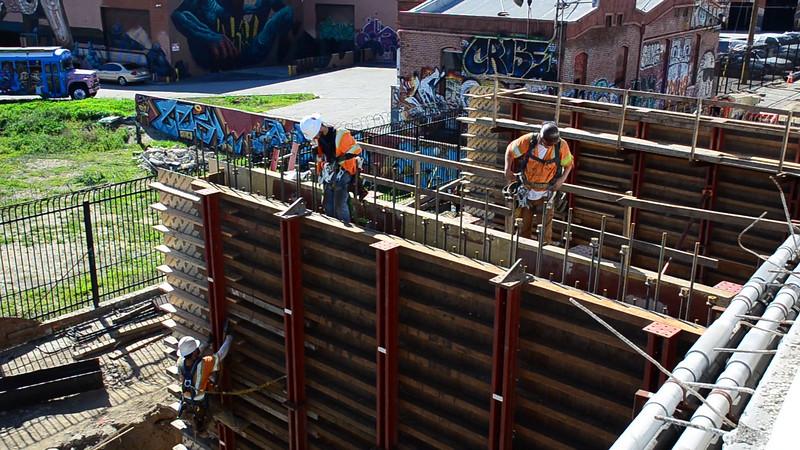 2015-02-09bridge construction 9.MOV