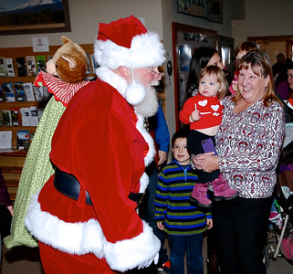Santa Claus @ The Sisters Chamber of Commerce