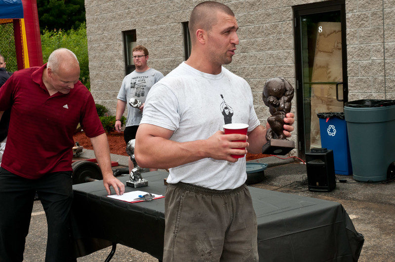 Fitness Revolution Strongman Challenge 2011_ERF4630.jpg