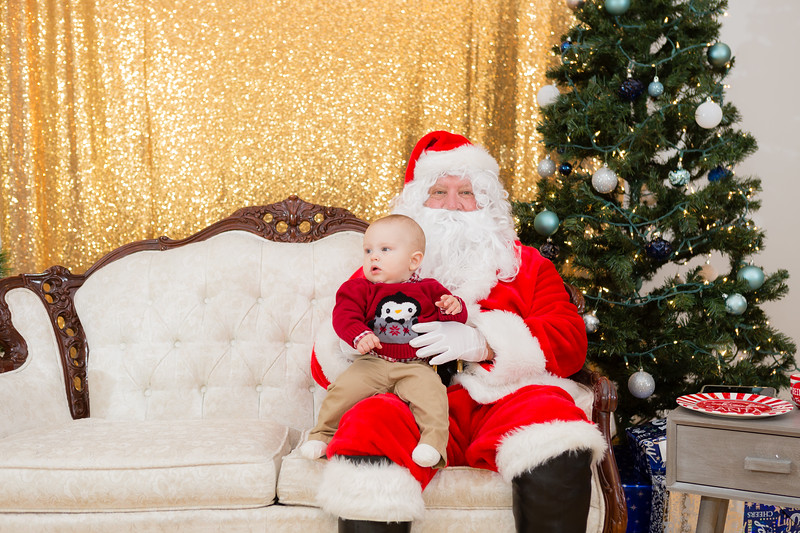 FADS Picture with Santa-151.jpg