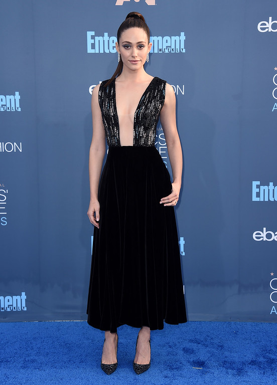 . Emmy Rossum arrives at the 22nd annual Critics\' Choice Awards at the Barker Hangar on Sunday, Dec. 11, 2016, in Santa Monica, Calif. (Photo by Jordan Strauss/Invision/AP)