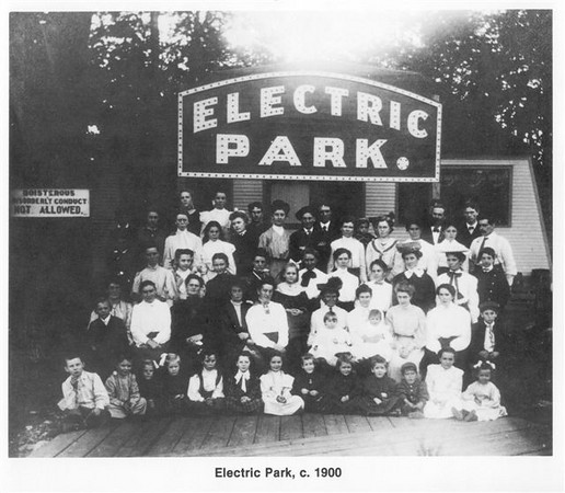STREETCAR-TROLLEYPARK-CHASSELL-MN-ElectricPark1900s.jpg