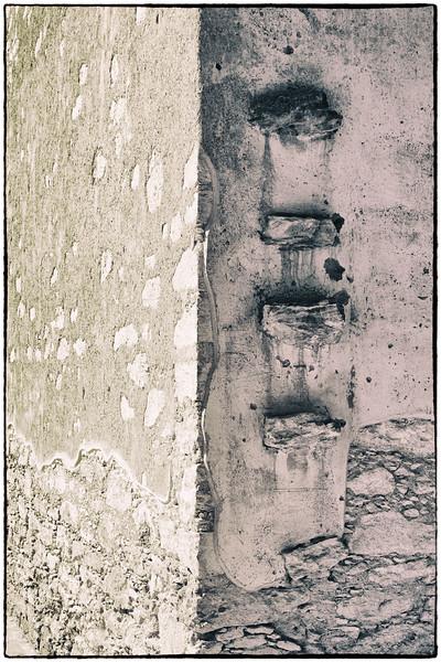 Wall Detail at Escuela Modelo, Pozos