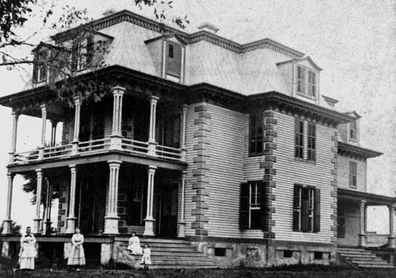 Riverside House-1875-L.jpg