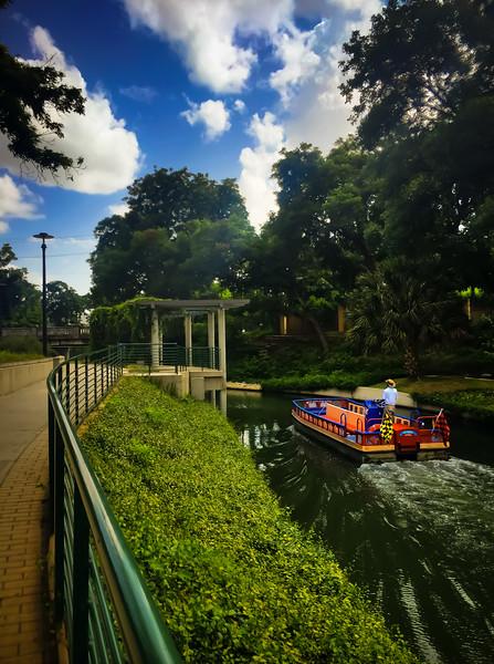 river walk taxi 3.jpg
