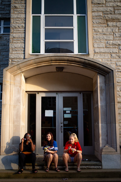 20190822_International Student Move in_Margo Reed Photo-24.jpg