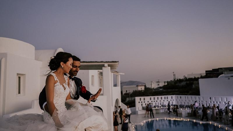 Tu-Nguyen-Destination-Wedding-Photographer-Santorini-Rocabella-Hotel-Euna-Ehsan-704.jpg