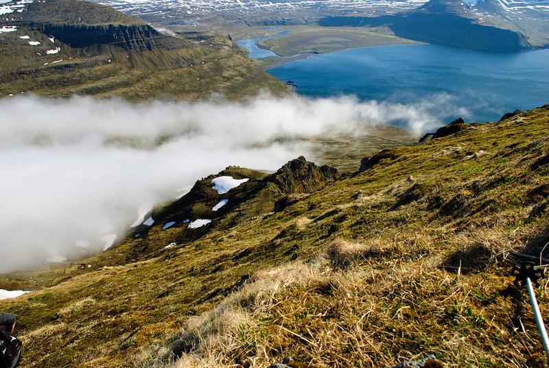 Þokan komin niður Innstadal í Hornvík