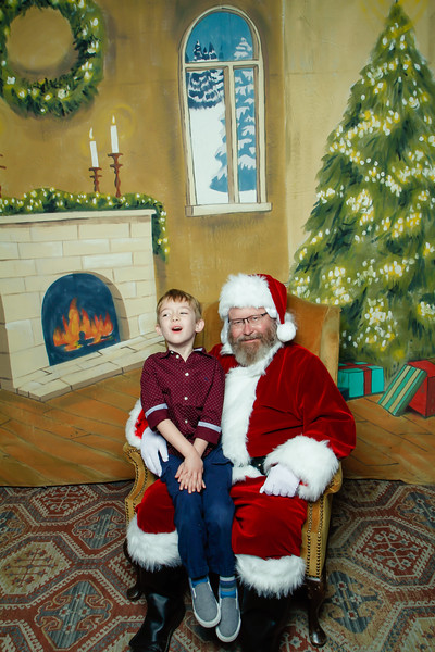 Pictures with Santa at Gezellig-102.jpg