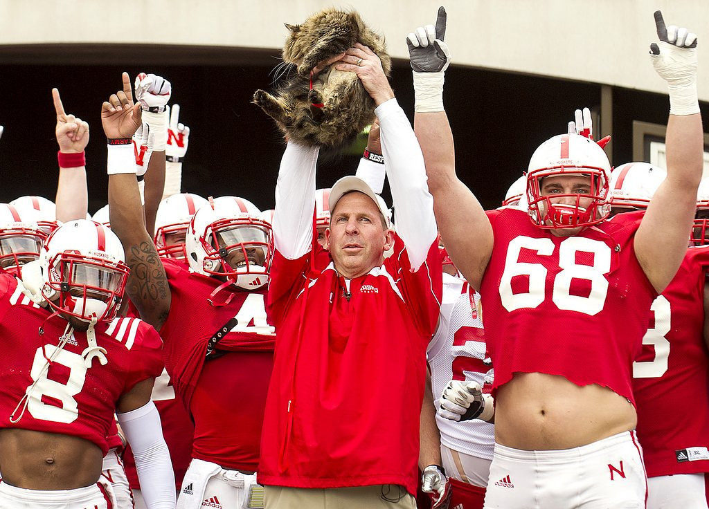 ". <p>8. BO PELINI�S CAT <p>Brings a cat to Nebraska�s spring scrimmage, making for the Huskers� best postgame sacrifice ever. (unranked) <p><b><a href=\'http://www.huffingtonpost.com/2014/04/13/bo-pelini-cat-circle-of-life-spring-practice_n_5139977.html\' target=""_blank\""> HUH?</a></b> <p>   (AP Photo/The Journal-Star, Francis Gardler)"