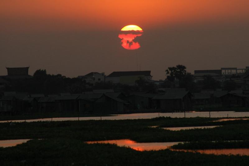 Big Sun Falling - Phnom Penh, Cambodia