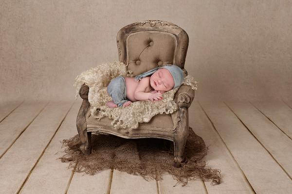 Carter Folger Newborn 2020