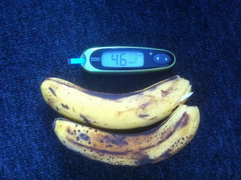 1/18/2011 -  3:45 PM - Low blood sugar 1 - Bananas - 200g - 46 carbs - 178 calories.