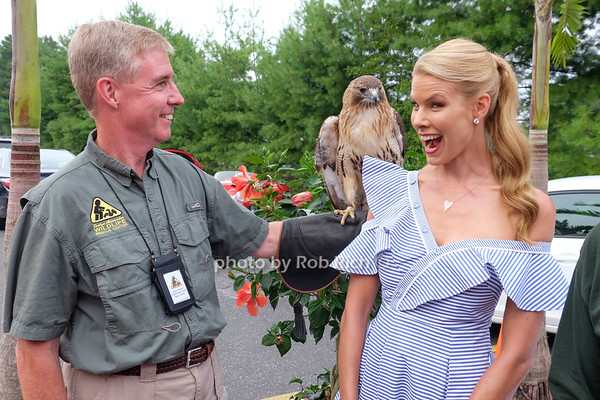 Beth Stern hosts the Wildlife Center of the Hamptons  fundraiser at Centro  Restaurant in Hampton Bays on 7-20-17.  all photos by Rob Rich/SocietyAllure.com ©2017 robrich101@gmail.com 516-676-3939