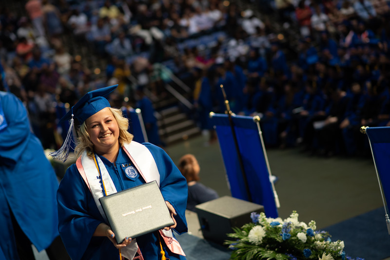 May 12, 2018 commencement -2105.jpg