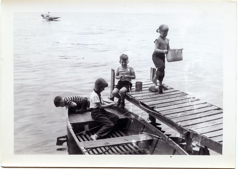 1952-08 John, Sue & Greg Ricca and Arliss Manson.jpg