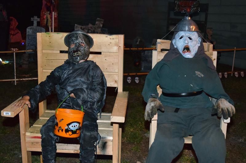 2014 Halloween Bovaween at the BooOOoo-va house (51).JPG