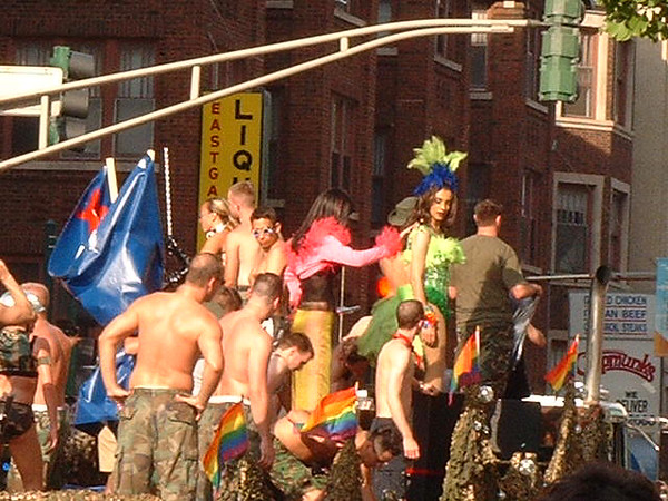 Pride Parade 2001-106.jpg