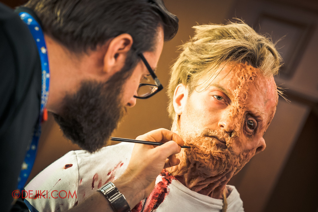 Halloween Horror Nights 6 Behind The Screams BTS Tour 2016 / Makeup Artist creating Damien Shipman