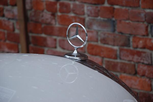Mercedes Benz W111 250SE Cabriolet