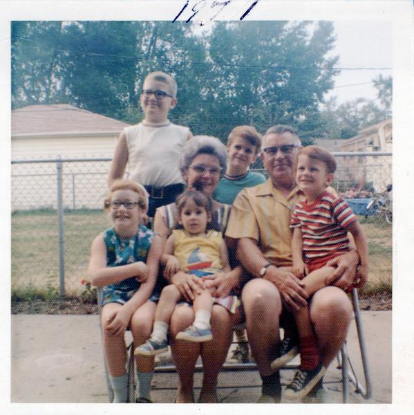 1971 Helen & Ivan Ferriby with Robin, Soctt, Beth, Jane and Brian.jpeg