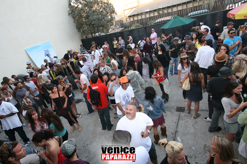 2.  Party at Stronghold 1625 Abbot Kinney Blvd. Venice, CA 90291. Phone (439).JPG