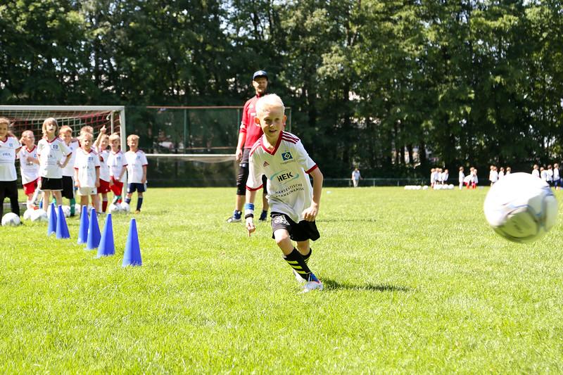 hsv_fussballschule-384_48047996518_o.jpg