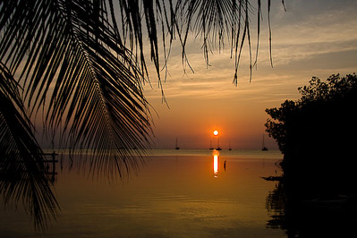 caye-caulker-sunset_4584184234_o.jpg
