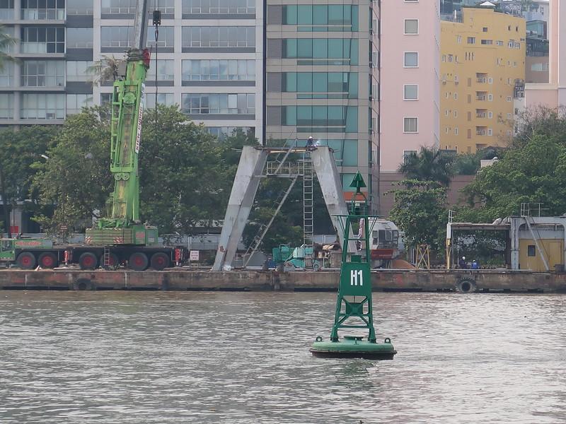 IMG_1778-dismantling-saigon-port.JPG