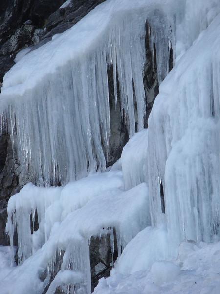 Laguna 69 icicles 2.JPG