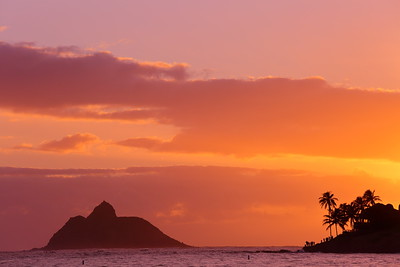New Year's Day sunrise from Kailua Beach Park.  © 2020 Kenneth R. Sheide