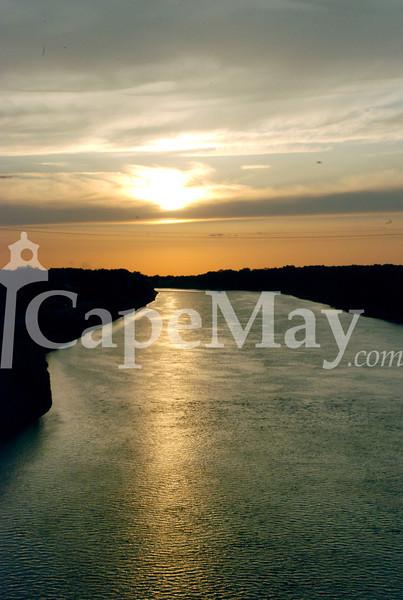 May18-CanalRefl.jpg